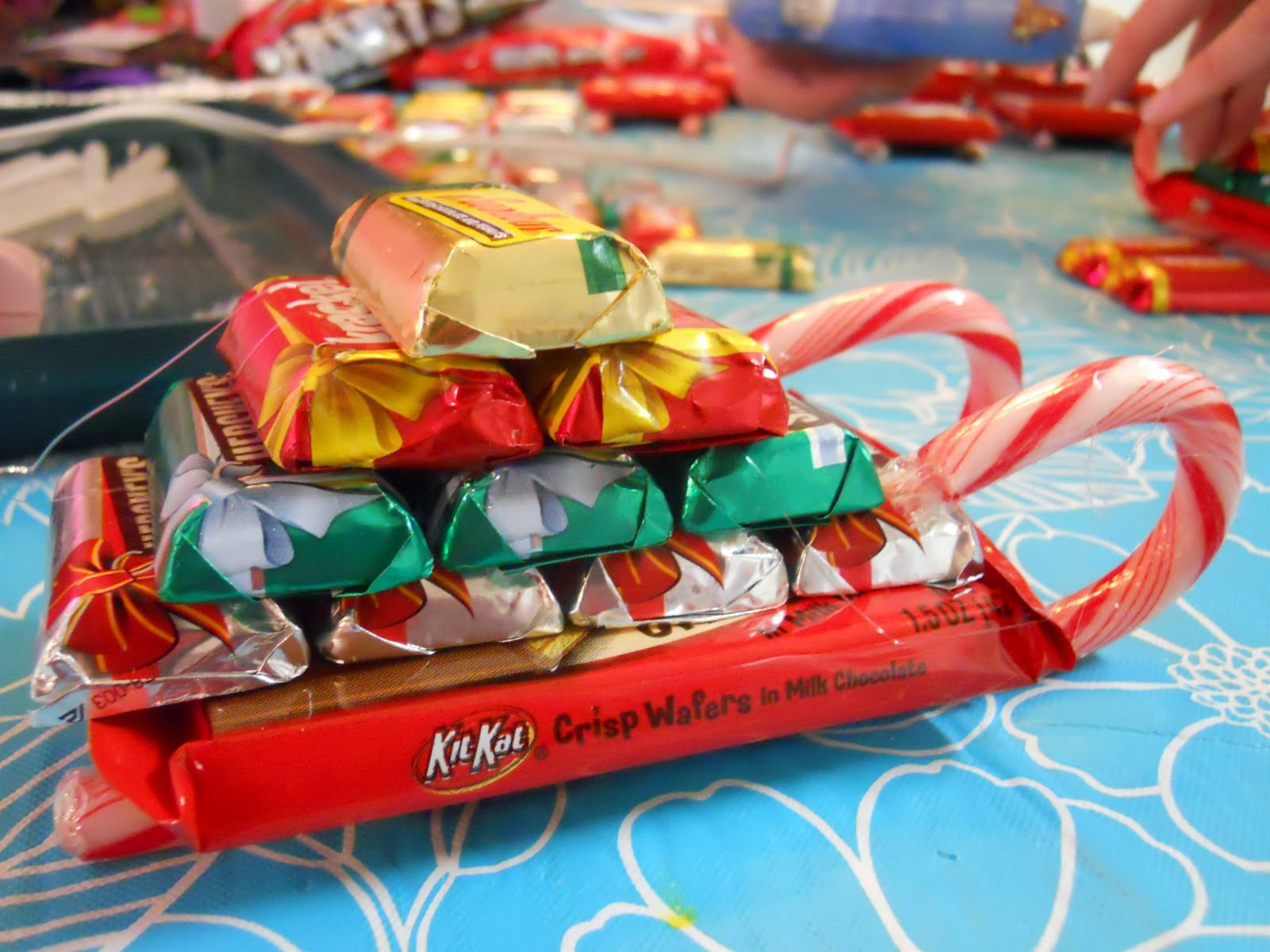 Candy sleighs corning sweets for Edible christmas gift ideas to make